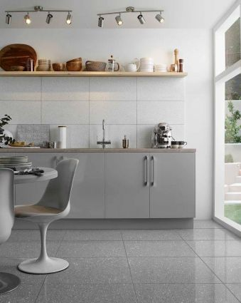Mirror Grey Quartz Tile 300x300