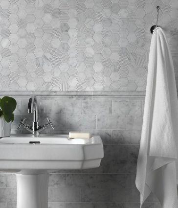 Carrara Marble Moldura 46x305