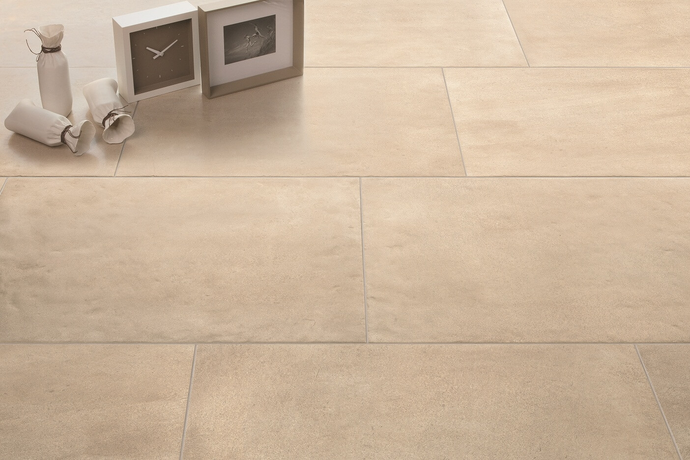 Scorcio Corsican Taupe tiles in brick-bonded pattern with 33% offset.